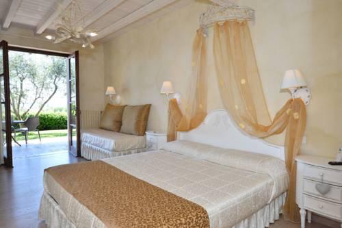 Albergo in vendita a Manerba del Garda, 5 locali, zona Zona: Gardoncino, prezzo € 920.000 | CambioCasa.it