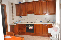 SS.Trinità: appartamento con 4 camere e doppi servizi