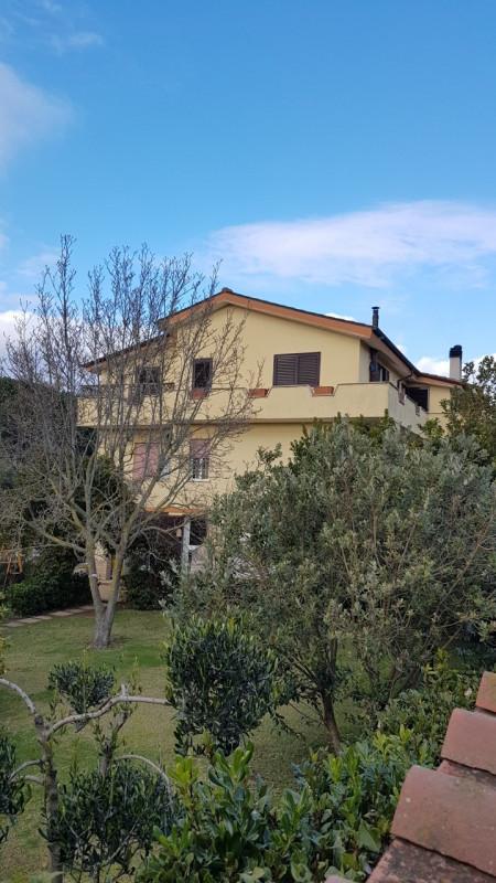 Villa in vendita a Anguillara Sabazia, 4 locali, zona Località: Anguillara Sabazia, prezzo € 450.000 | CambioCasa.it
