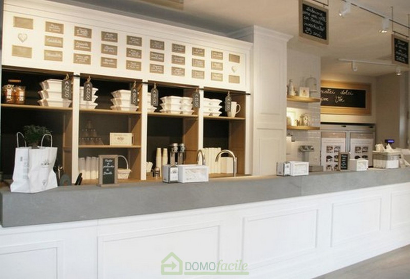 GELATERIA CON LABORATORIO - https://media.gestionaleimmobiliare.it/foto/annunci/180518/1793720/800x800/005__gelateriavicenza09_1.jpg