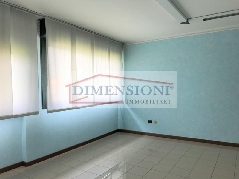 Ufficio / Studio in affitto a Due Carrare, 2 locali, zona Località: Due Carrare, prezzo € 420 | CambioCasa.it
