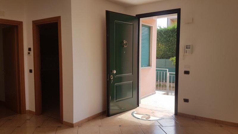 Appartamento in buone condizioni arredato in affitto Rif. 6642928