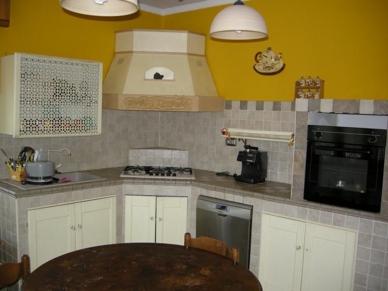 Appartamento ristrutturato arredato in vendita Rif. 6930227