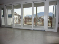 San Paolo Appiano (Bz): splendida mansarda nuova con ampia terrazza.