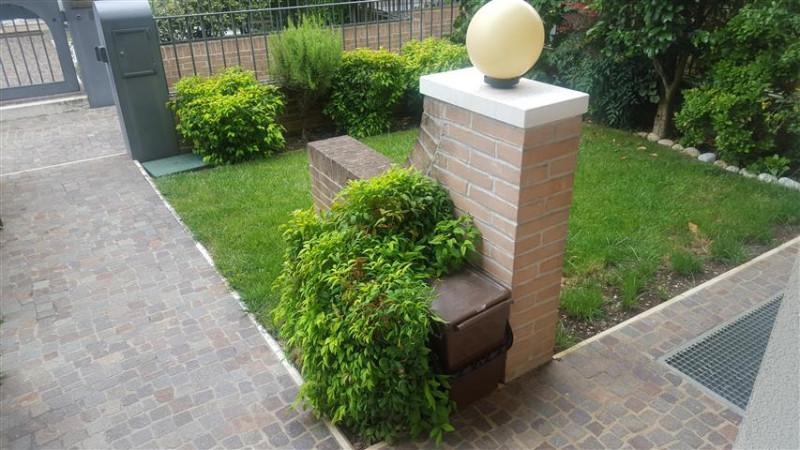 Appartamento in ottime condizioni in vendita Rif. 6915734
