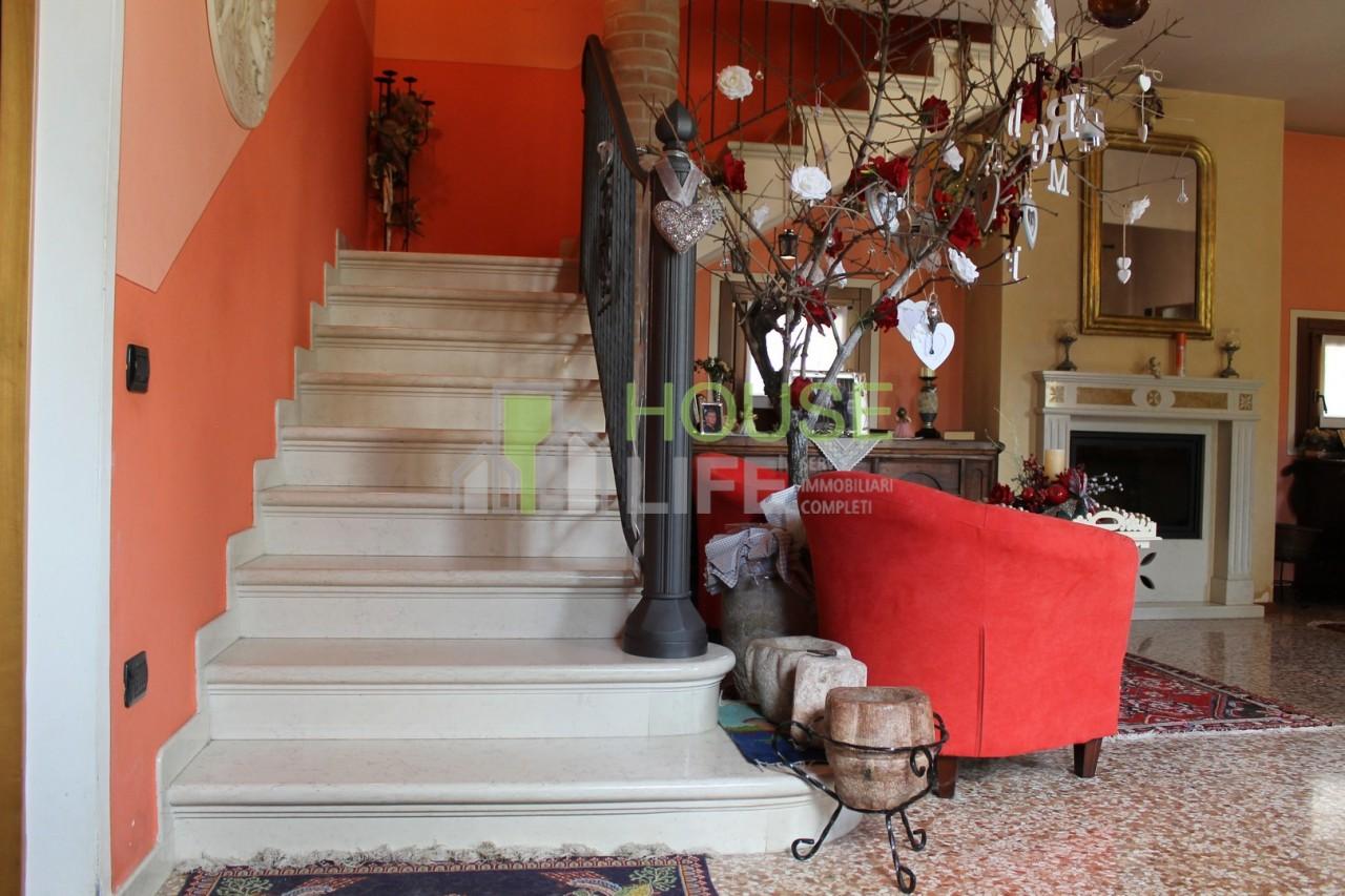 Villa in vendita a Zanè