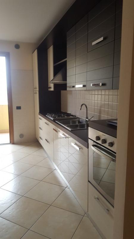 Appartamento in buone condizioni in vendita Rif. 6960432