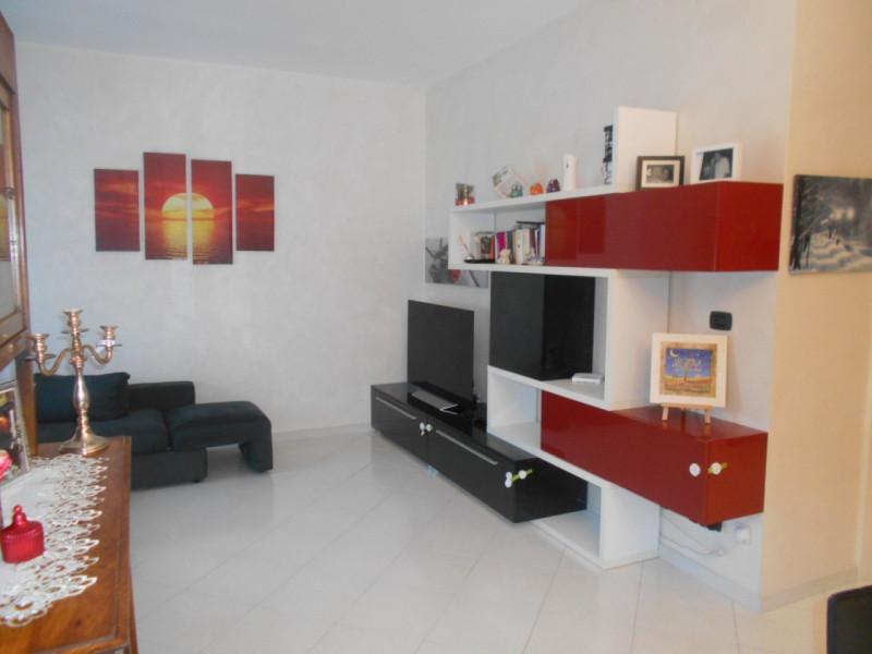 Appartamento in ottime condizioni in vendita Rif. 6986146
