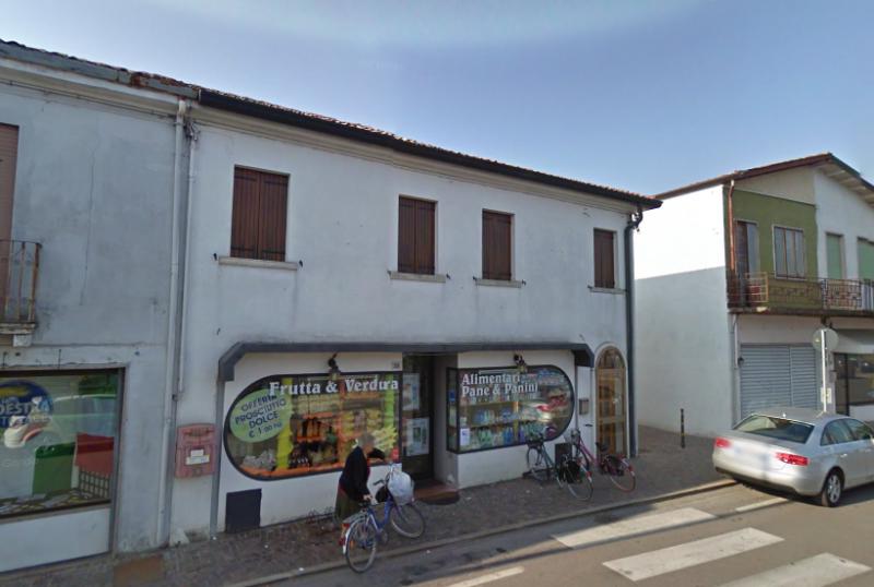 Negozio / Locale in vendita a Ceregnano, 3 locali, zona Località: Ceregnano, prezzo € 150.000 | CambioCasa.it