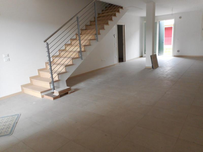 Appartamento in ottime condizioni in vendita Rif. 7133997