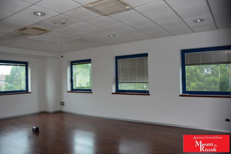 Ufficio / Studio in affitto a Fiumicello, 9999 locali, zona Zona: Papariano, prezzo € 1.200   CambioCasa.it