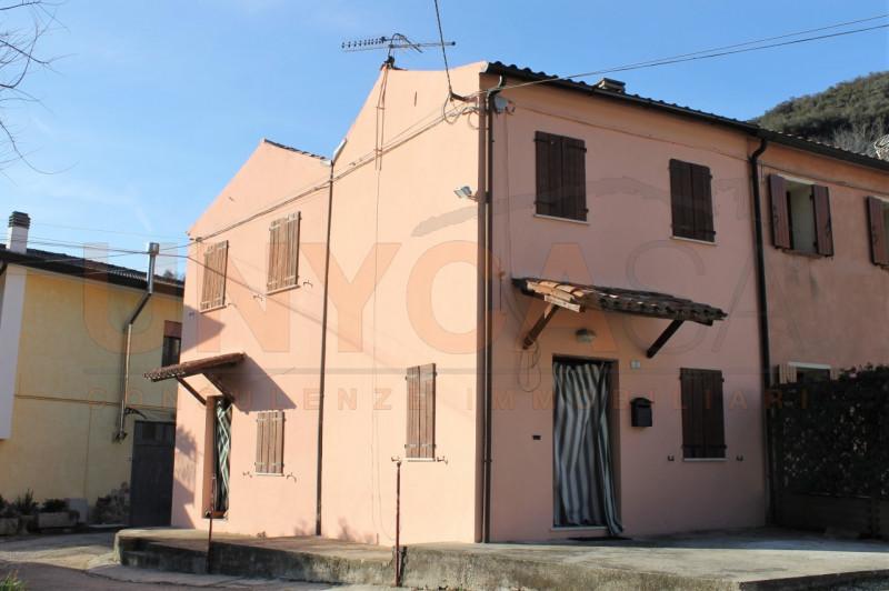 Rustico / Casale da ristrutturare in vendita Rif. 9565671