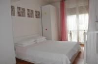 SS. TRINITA': ampio mini appartamento completamente arredato