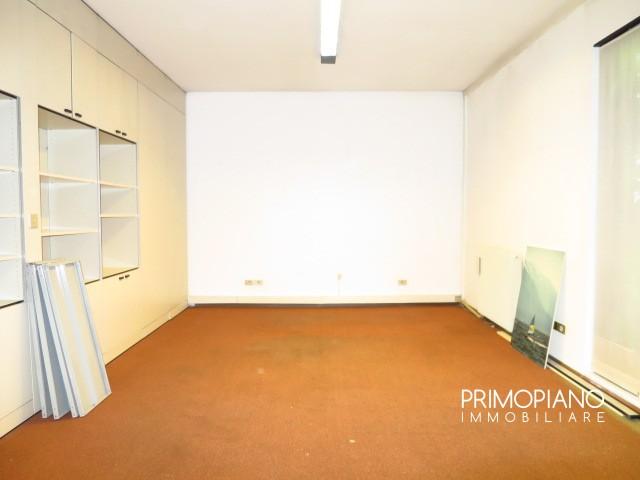 Ufficio / Studio in affitto a Trento, 2 locali, zona Zona: Cristore, prezzo € 400 | CambioCasa.it