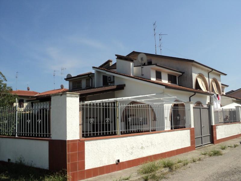 Villa in vendita a Comacchio, 3 locali, zona Zona: Lido di Pomposa, prezzo € 165.000 | CambioCasa.it