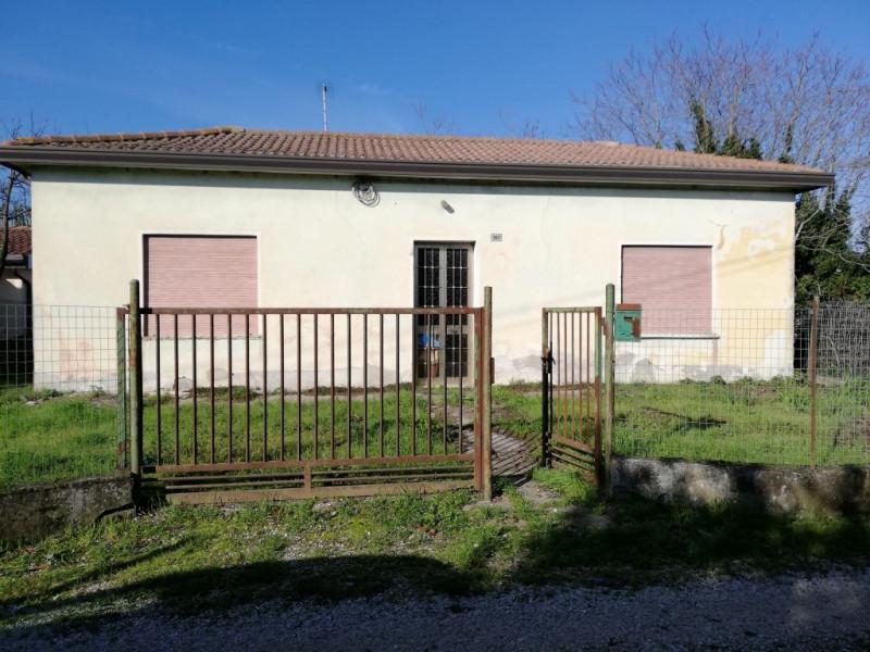 Casa Indipendente in discrete condizioni in vendita Rif. 8702654