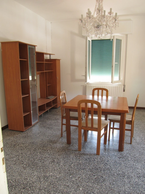 Appartamento in affitto a Cavezzo, 3 locali, zona Zona: Ponte Motta, prezzo € 400   CambioCasa.it