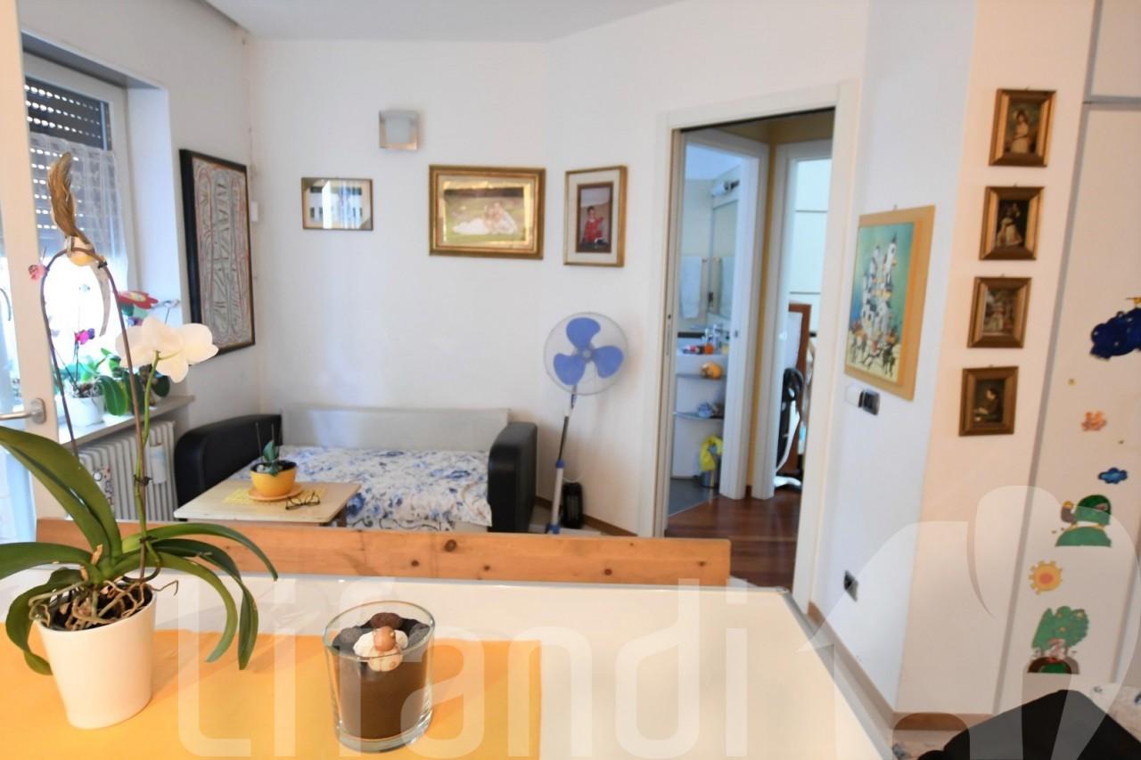 Bolzano, via Resia: Trilocale con 2 balconi