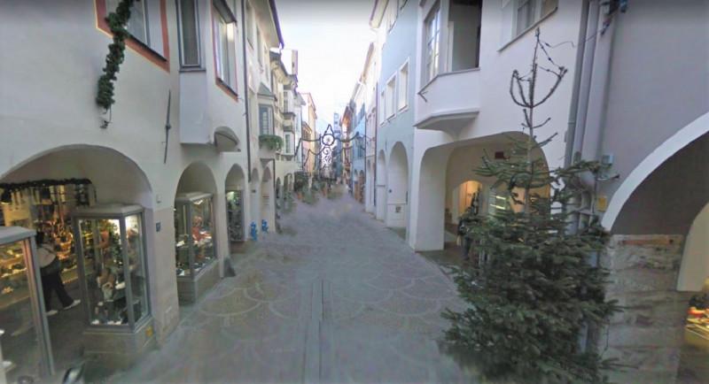 Immobile Commerciale in vendita a Merano, 5 locali, zona Località: Merano - Centro, Trattative riservate | PortaleAgenzieImmobiliari.it