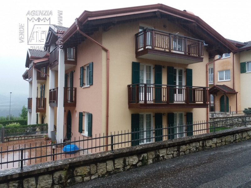 Villa Bifamiliare in vendita a Cles, 7 locali, prezzo € 500.000 | CambioCasa.it