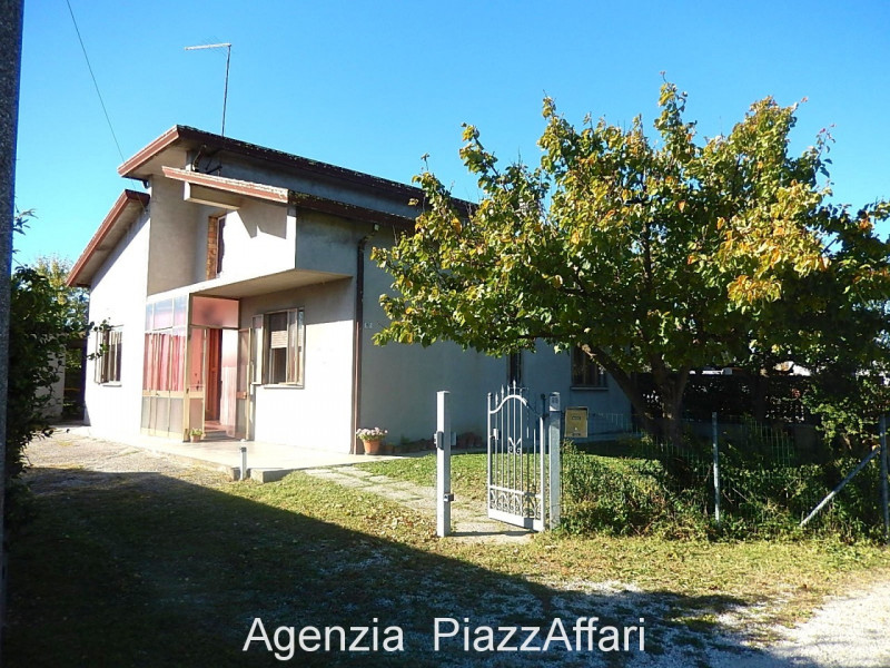 Casa Indipendente in discrete condizioni in vendita Rif. 7988796