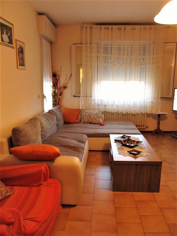 Appartamento in affitto a Cavezzo, 2 locali, zona Località: Cavezzo - Centro, prezzo € 460   CambioCasa.it