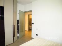 Grande appartamento con giardino piastrellato e garage a Ravina