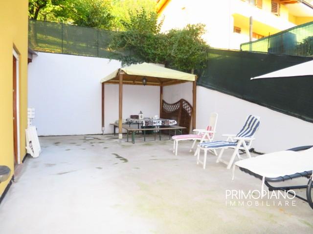 Appartamento in ottime condizioni arredato in vendita Rif. 8221378