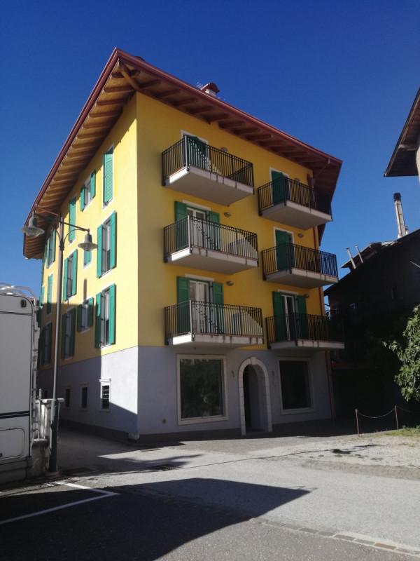Negozio / Locale in vendita a Romeno, 9999 locali, zona Località: Romeno - Centro, prezzo € 90.000 | CambioCasa.it