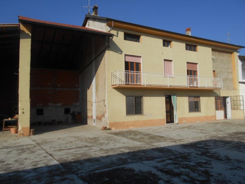 Rustico / Casale in vendita a Ticineto, 5 locali, zona Località: Ticineto, prezzo € 98.000   CambioCasa.it