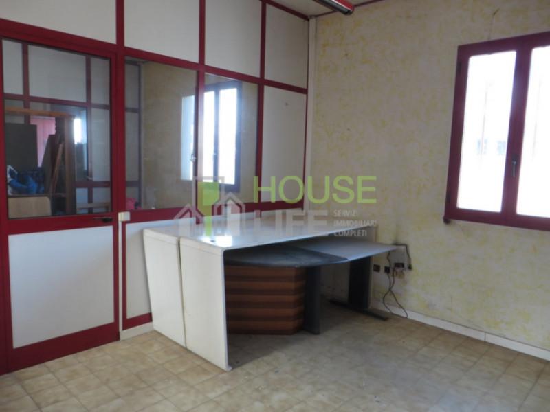 Capannone in affitto a Schio, 2 locali, zona Località: Zona industriale, prezzo € 1.300 | CambioCasa.it
