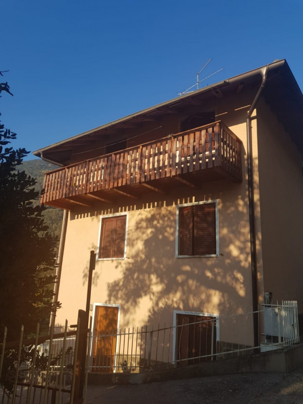Villa in vendita a Levico Terme, 9999 locali, zona Località: Levico Terme - Centro, prezzo € 420.000   CambioCasa.it