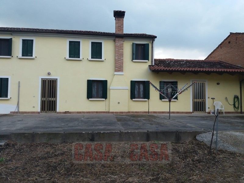 Appartamento in buone condizioni in vendita Rif. 8572384