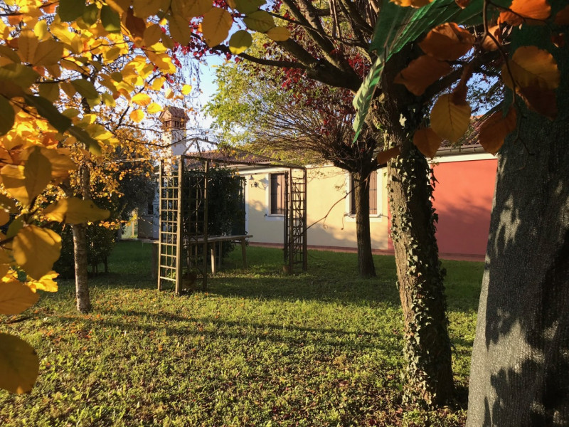 Villa in vendita a Rovigo, 2 locali, zona Zona: Boara Polesine, prezzo € 130.000 | CambioCasa.it