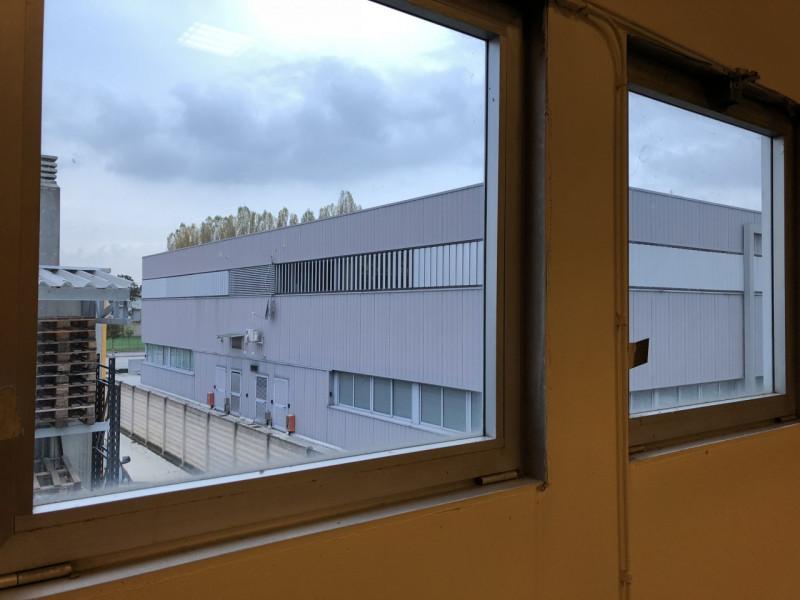 Spazio open-space zona Camin - https://media.gestionaleimmobiliare.it/foto/annunci/181108/1879491/800x800/003__img_0009__1.jpg