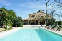 Rustico, casale vicino al mare con piscina in vendita, bibbona