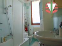 appartamento in vendita Trebaseleghe foto 007__appartamento_trebaseleghe_bagno.jpg