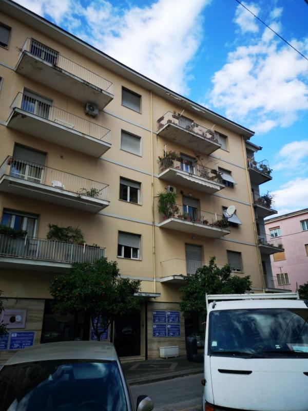 Appartamento in affitto a Eboli, 4 locali, zona Località: Eboli - Centro, prezzo € 400   CambioCasa.it