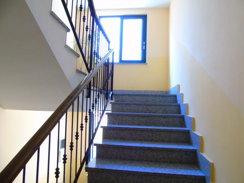 Appartamento in ottime condizioni in vendita Rif. 8673472