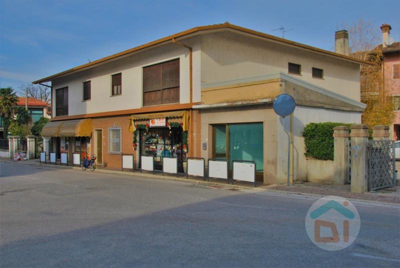 Ufficio / Studio in vendita a Ruda, 9999 locali, zona Località: Ruda - Centro, prezzo € 22.000 | CambioCasa.it