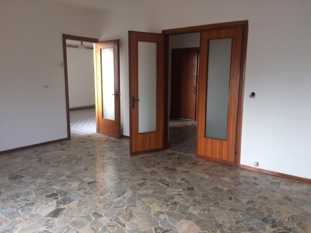 Appartamento in vendita a Montegalda, 4 locali, zona Località: Montegalda - Centro, prezzo € 57.000 | CambioCasa.it
