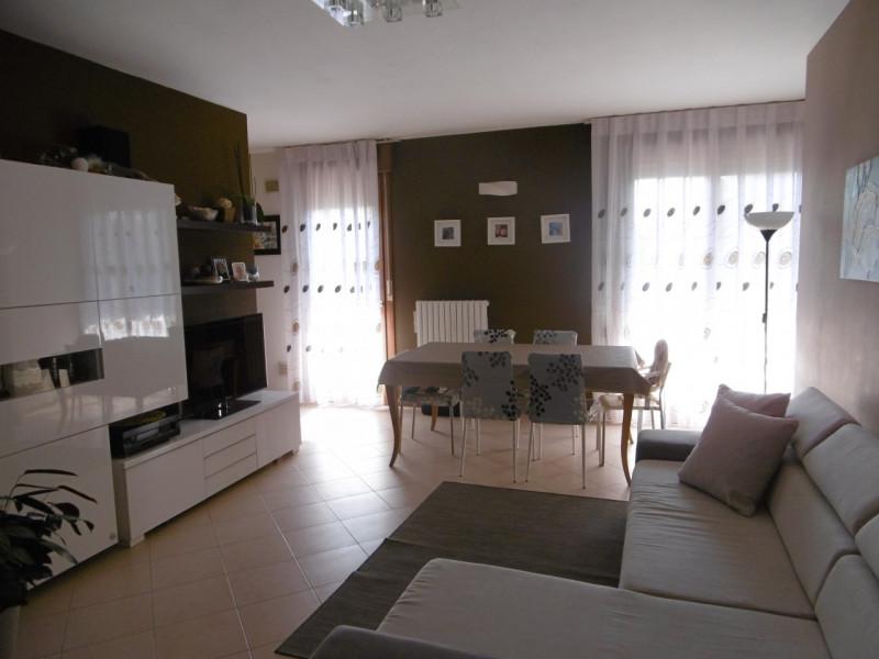 Appartamento in buone condizioni in vendita Rif. 8755868