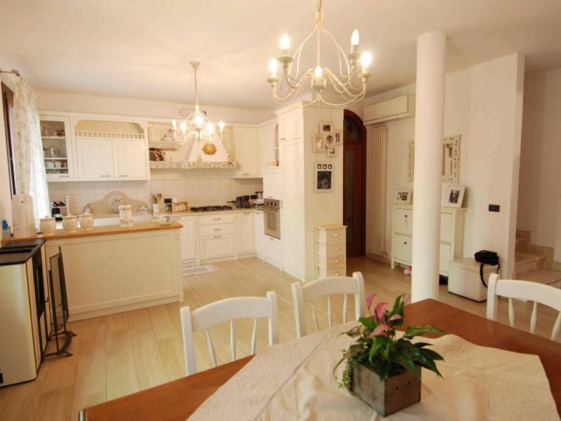 Villetta a schiera in ottime condizioni in vendita Rif. 10048267