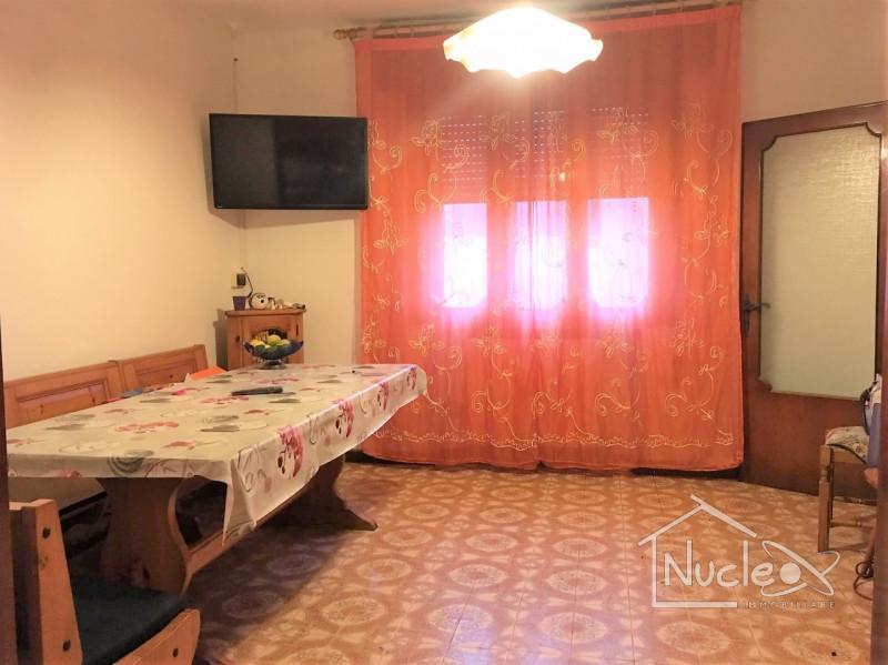 Appartamento in buone condizioni in vendita Rif. 8773528