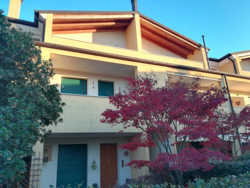 Appartamento in ottime condizioni arredato in vendita Rif. 8773553