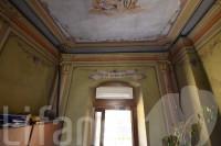 Mezzocorona, via Baron Cristani: 2 Trilocali in un edificio storico