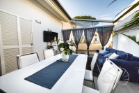 Galciana. Villetta a schiera in stile loft con terrazza abitabile e garage.