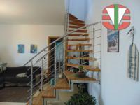 appartamento in vendita Villa del Conte foto 006__scala_villa_del_conte.jpg
