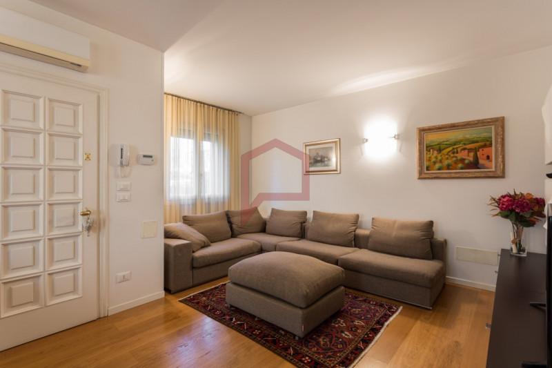 Appartamento in ottime condizioni in vendita Rif. 8996667