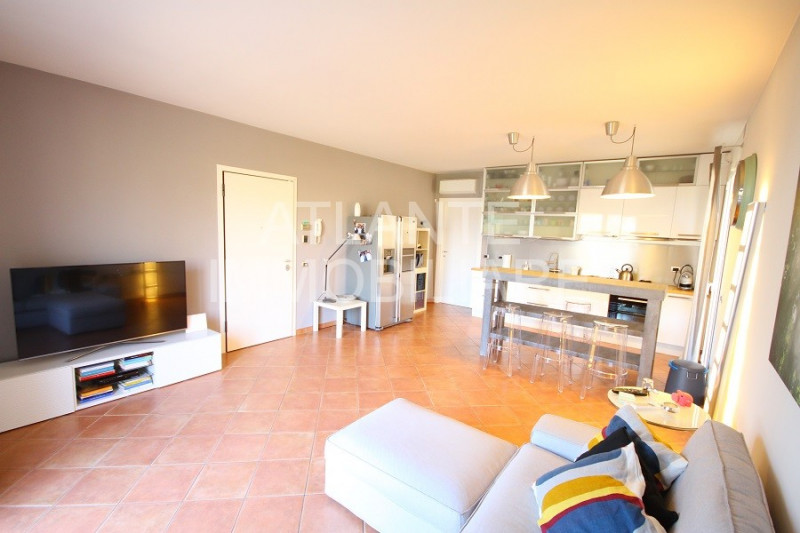 Appartamento in ottime condizioni in vendita Rif. 9284359